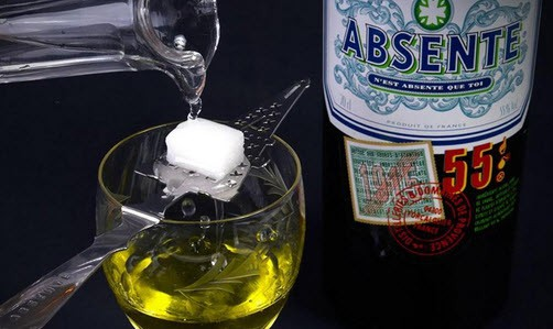 Absinthe with sugar cubedrink